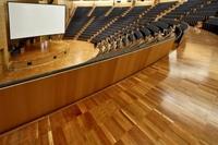 Kongresszentrum in Rimini glänzt mit American Black Cherry