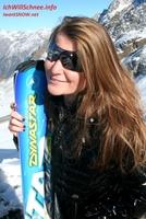 Chic meets Skisport: Tina unterwegs mit Indigo-Brillen