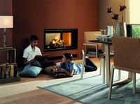 LEDA Werk: Kamineinsatz mit extra großer Sichtscheibe bietet Flammenspiel pur