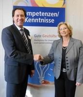 Gute Geschäfte: Büroservice DER THÜNKER unterstützt die Hannelore Kohl Stiftung