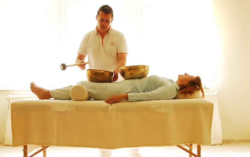 Klangmassage ist Meditation in Aktion – Ausbildung zum professionellen Klangmasseur
