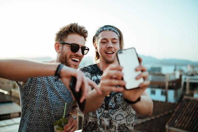 We Are Social und OtterBox starten mit Influencern in den Sommer