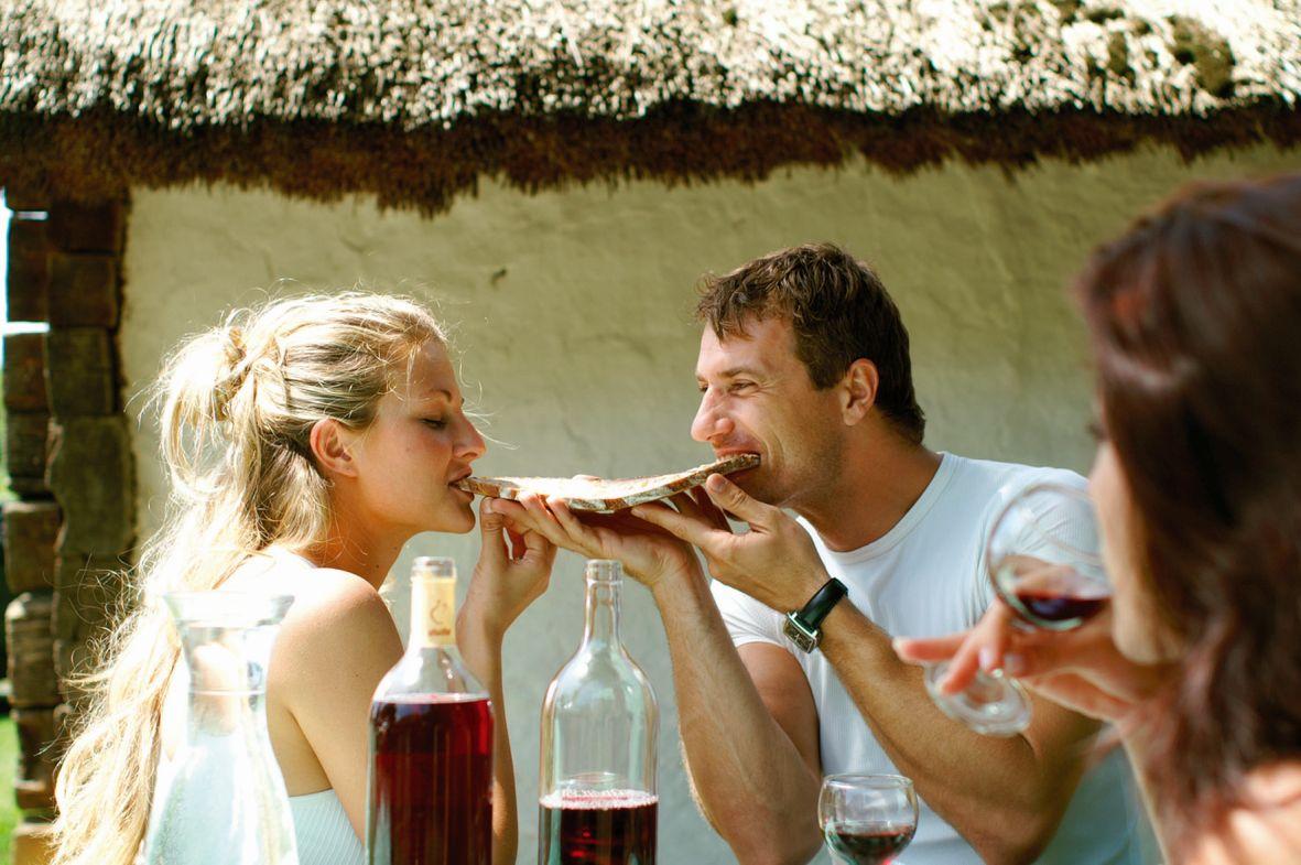 Heimat im Glas – kein anderer Wein ist so mit dem Südburgenland verbunden wie der Uhudler!