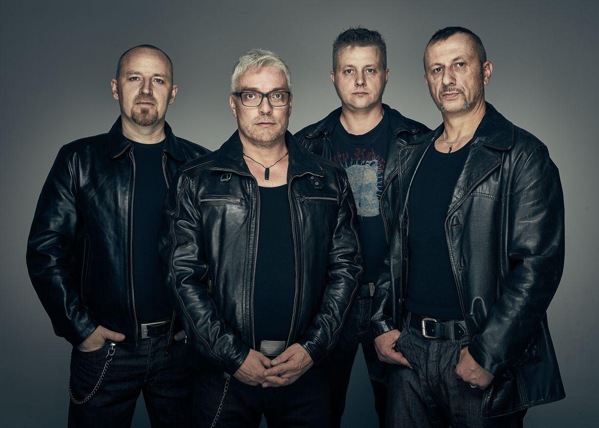 Das neue Album ''Vaka Teatea'' der Rockband Fahrenheit 212 geht auf die Reise