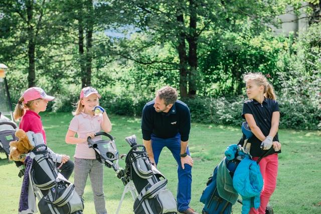 Schönes Spiel: Golf-Kurse für Kids im Rivus, Leogang