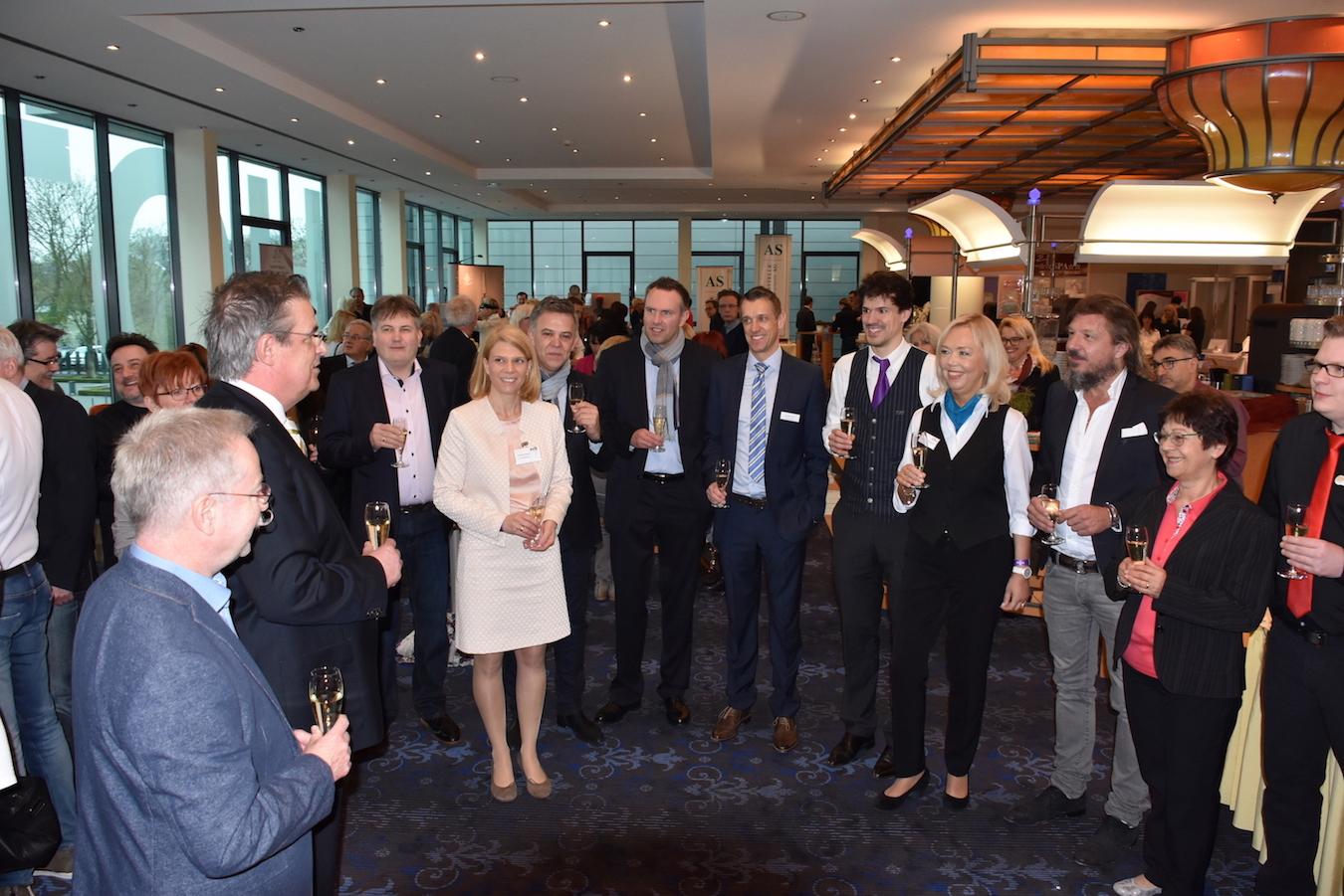 Zweithaar-Branche trifft sich in Fulda