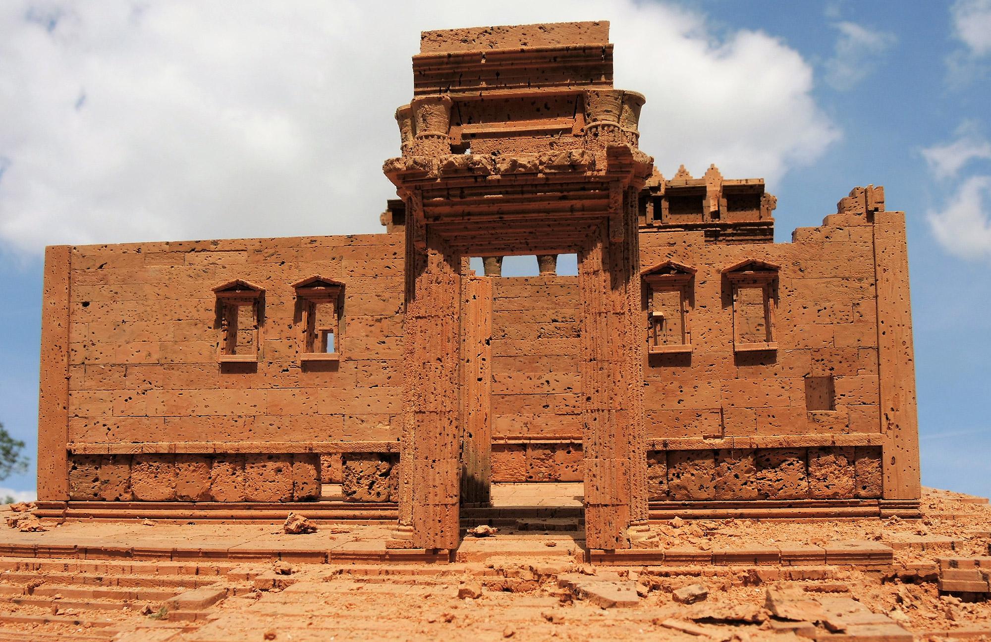 Gegen die Barbarei: K#xF6lner K#xFCnstler baut Palmyra wieder auf