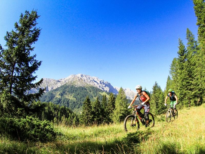 "MTB Festival mit Dolomitenglühen: ""Rosadira Bike"" im Eggental"
