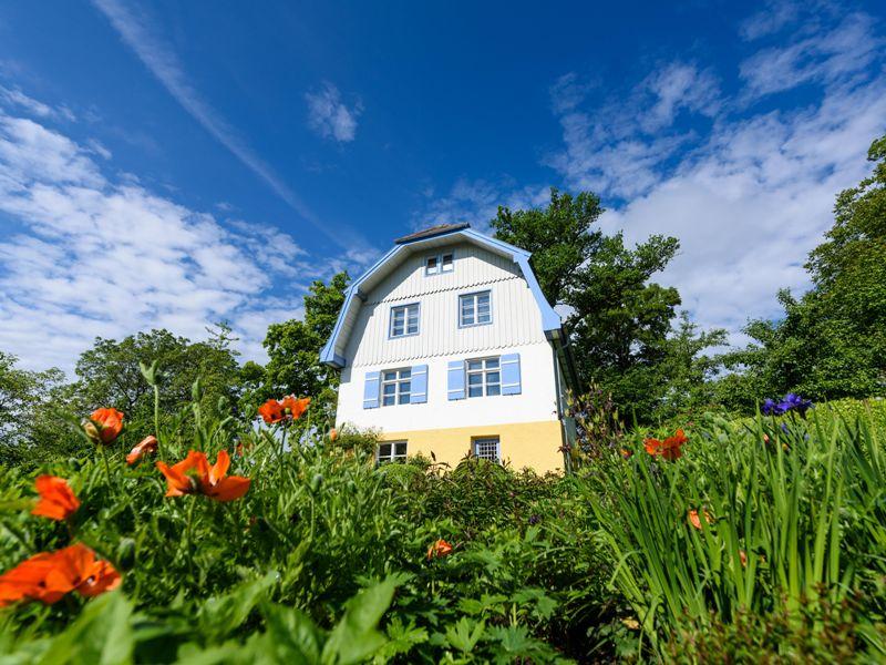 """Zum 140. Geburtstag zeigt das Schloßmuseum Murnau """"Gabriele Münter und die Volkskunst"""""""