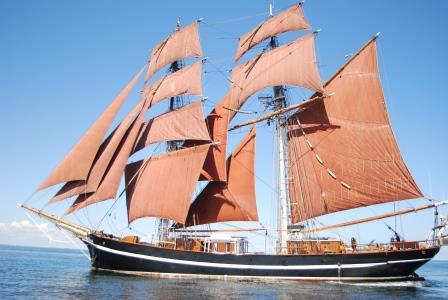 Gro#xDFsegler Eye of the Wind kommt zum Wismarer Hafenfest