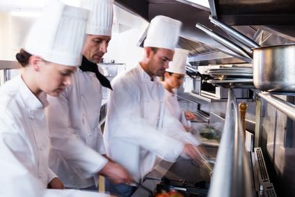 Reinigung der Küchenabluft – organische Fette und Gerüche mit OZON beseitigen