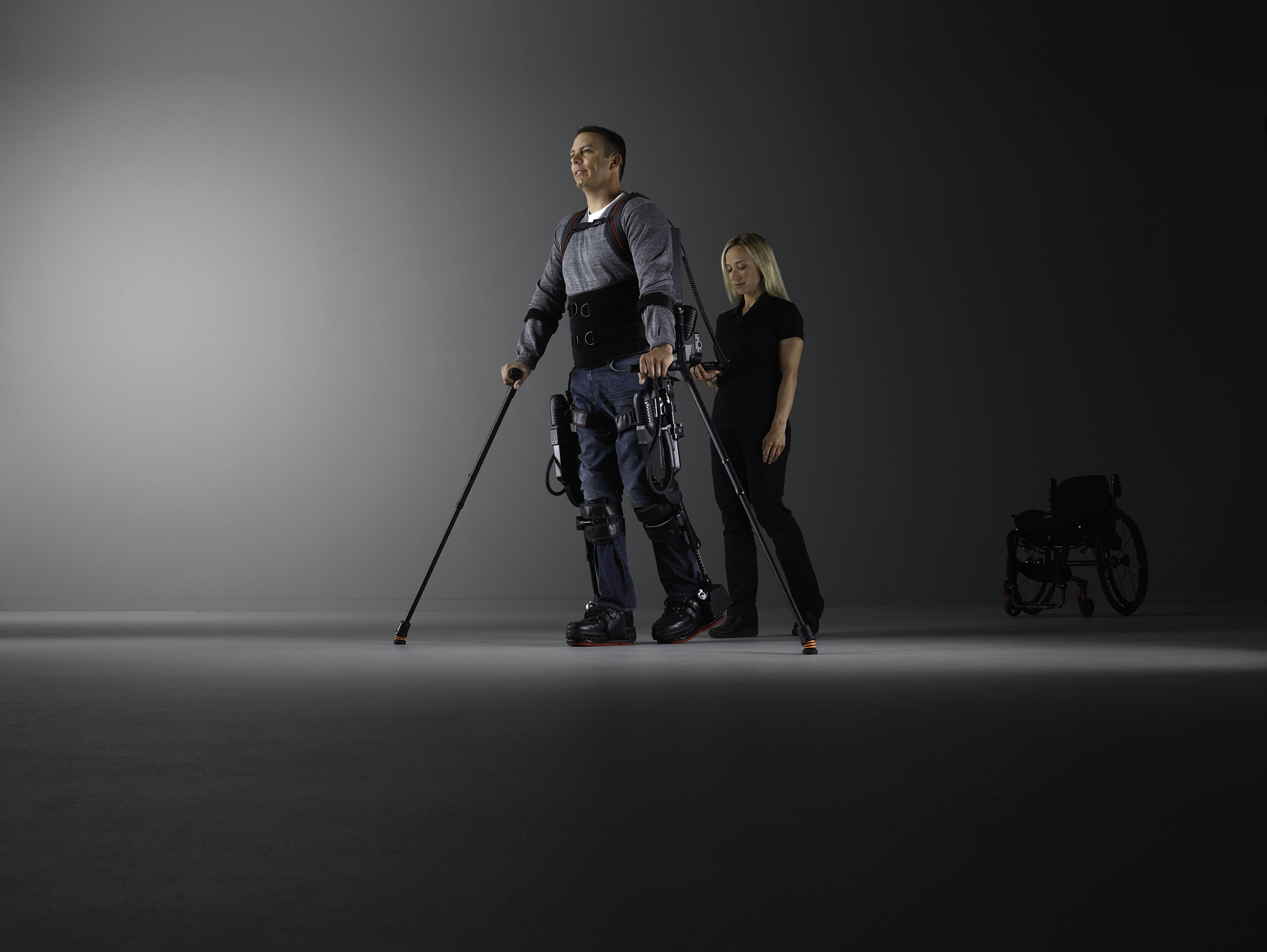 Gehroboter im Fokus der Forschung: Ekso Bionics ruft europaweite Studie ins Leben