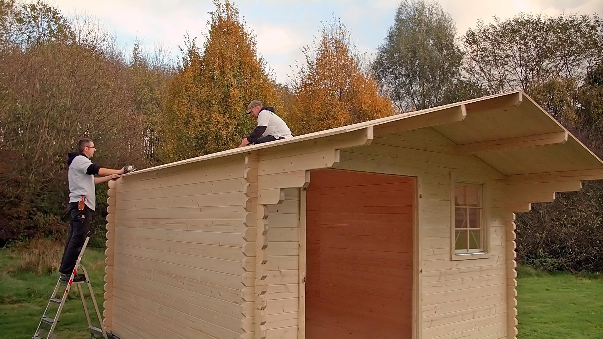 Montage eines Gartenhauses in 14 Arbeitsschritten