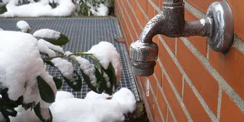 Trotz mildem Winter: Sch#xE4den an wasserf#xFChrenden Leitungen