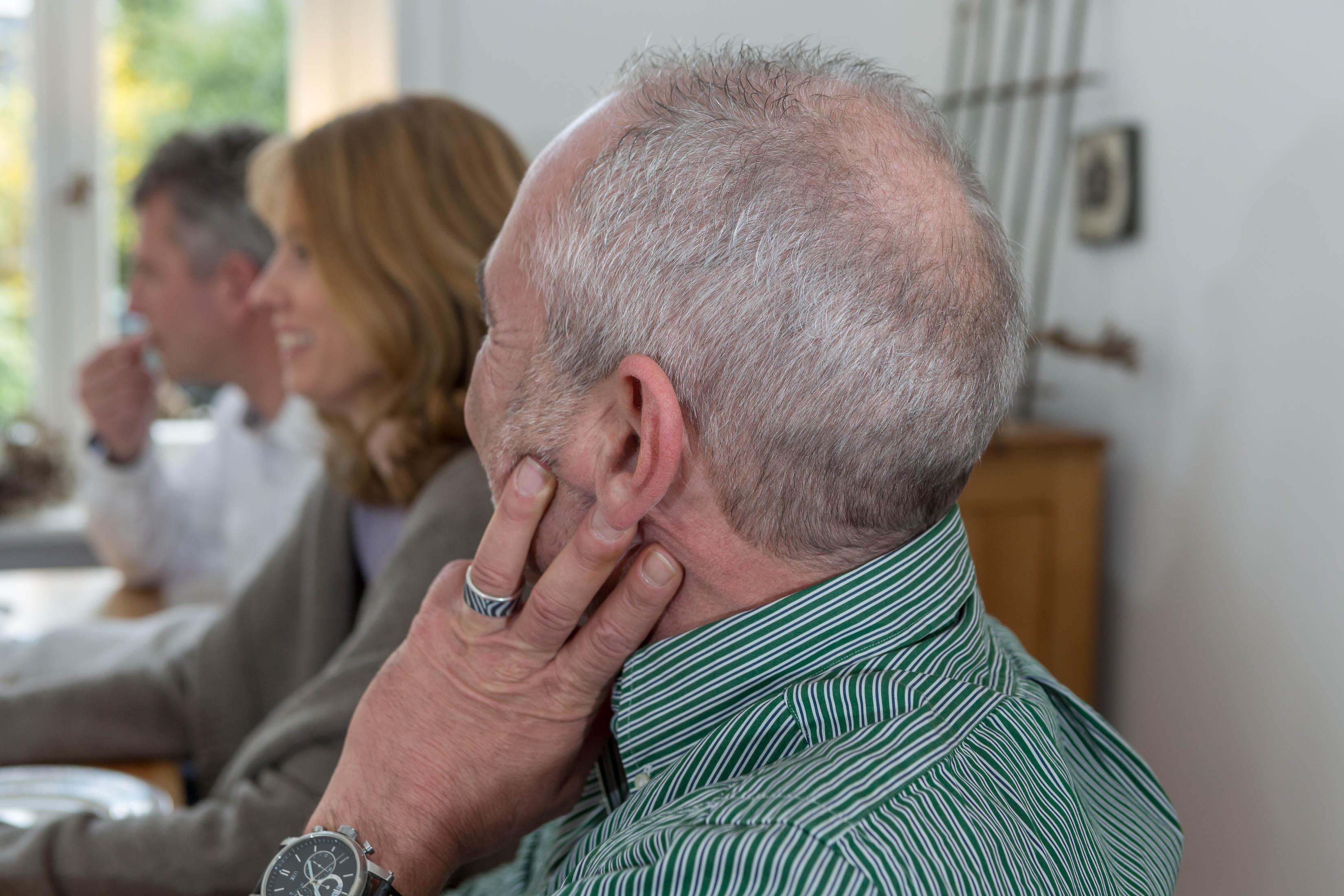 Rund um die Uhr im Einsatz  wie das Hören den Alltag bestimmt und bereichert