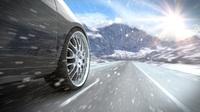 Auch bei Schnee und Eis sicher unterwegs: Für zahlreiche Länder sind Winterreifen bei Sunny Cars im Mietwagen-Paket inklusive