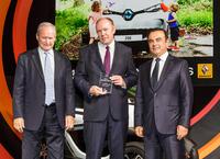 Renault Retail Group Hamburg erhält Auszeichnung für Elektrofahrzeug-Verkäufe