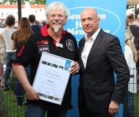 Menschen für Menschen ernennt Ralf Bos zum Botschafter