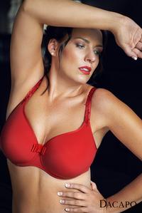 Powerfrau zeigt vollen Körpereinsatz für den guten Zweck