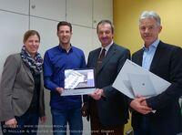Müller & Richter Informationssysteme überreicht Surface Book mit GeoAS