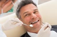 Zahnarzt in Vaihingen / Enz informiert über Zahnimplantate