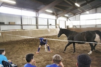 Fußballtrainingslager mit Pferden der U16 vom Waldhof Mannheim 07 auf der Reitanlage am Sonnenhang in Kreuztal NRW