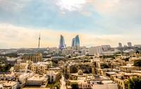 Städtetrip im Herbst - Baku lockt mit Palästen, leuchtenden Türmen und großer Kreativität