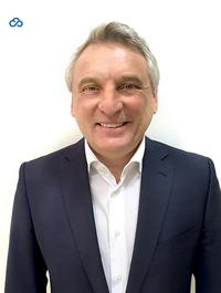 Josef Gemeri gründet die SoftwareClub GmbH